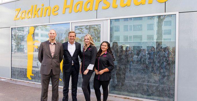 Wethouder Hugo de Jonge opent samen met studenten de Zadkine Haarstudio